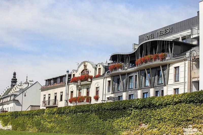 niebieski-art-hotel-spa-krawkow.jpg