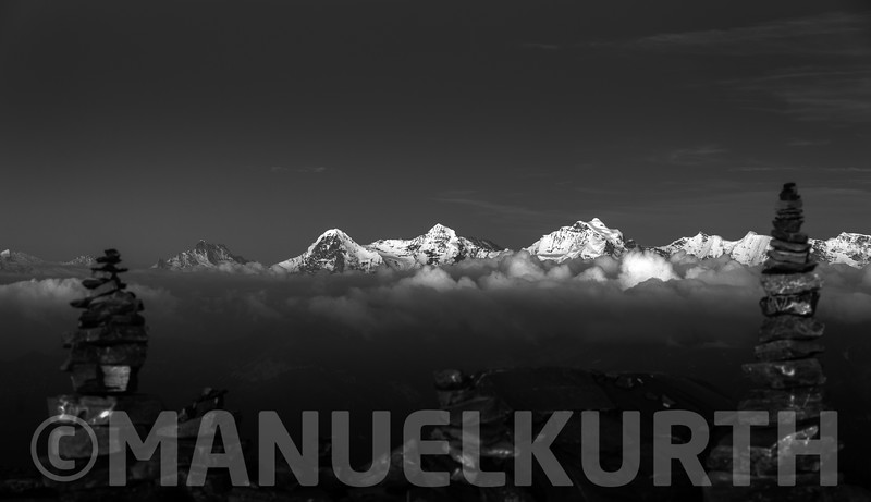 Blick vom Niesen auf Eiger, Mönch und Jungfrau
