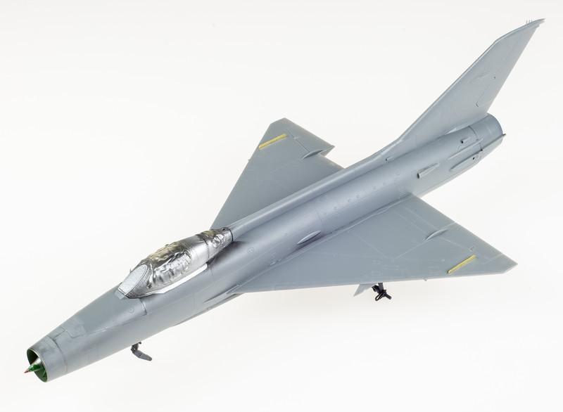 Trumpeter_MiG-21F-13_03-10-14-1.jpg