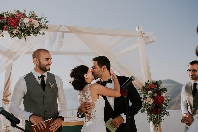 Tu-Nguyen-Destination-Wedding-Photographer-Santorini-Rocabella-Hotel-Euna-Ehsan-454.jpg