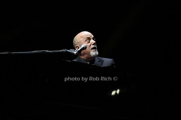 Billy Joel at Madison Square Garden  11-25-14.photo by Rob Rich/SocietyAllure.com © 2014 robwayne1@aol.com 516-676-3939