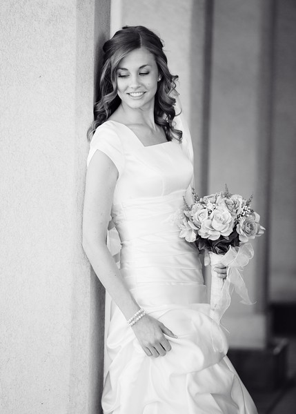 Amy Bridals 010bw.jpg