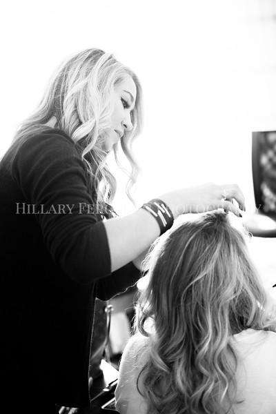 Hillary_Ferguson_Photography_Melinda+Derek_Getting_Ready116.jpg