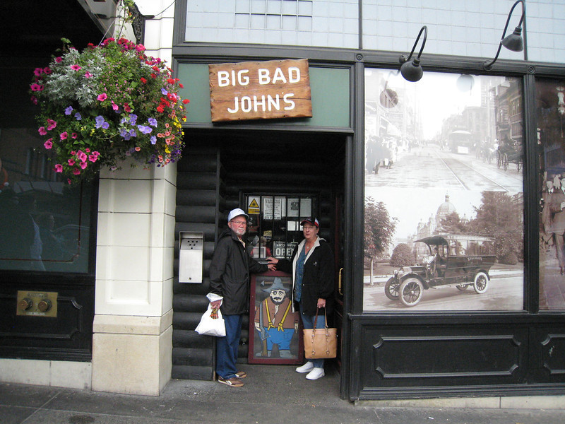 Here we are - leaving Big Bad John's - cute place - they even played good OLD country music!