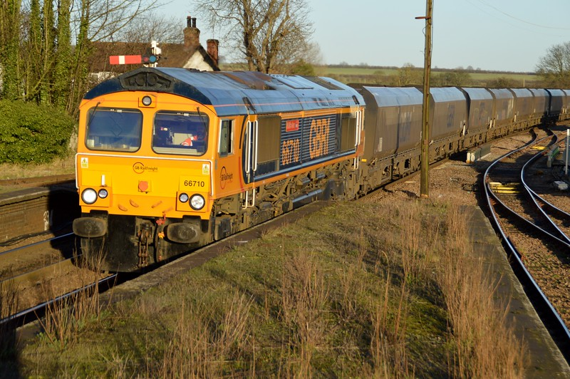 66710 'Phil Packer BRIT' 1414/6B33 Immingham-West Burton PS