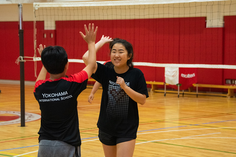 PE Leadership-Gr12 and Gr6 Volleyball Workshops-YIS_2613-2018-19.jpg