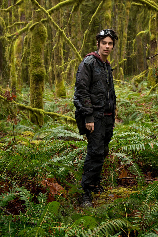 . The 100 -- Pictured: Devon Bostick as Jasper (Photo by Cate Cameron/The CW)