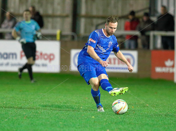 CHIPPENHAM TOWN V POOLE TOWN MATCH PICTURES 17th Nov 2015