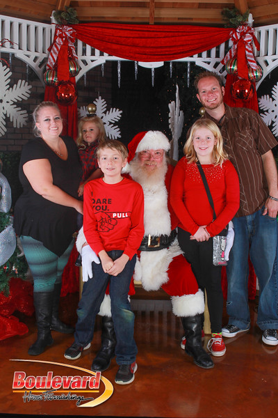 Santa 12-10-16-343.jpg