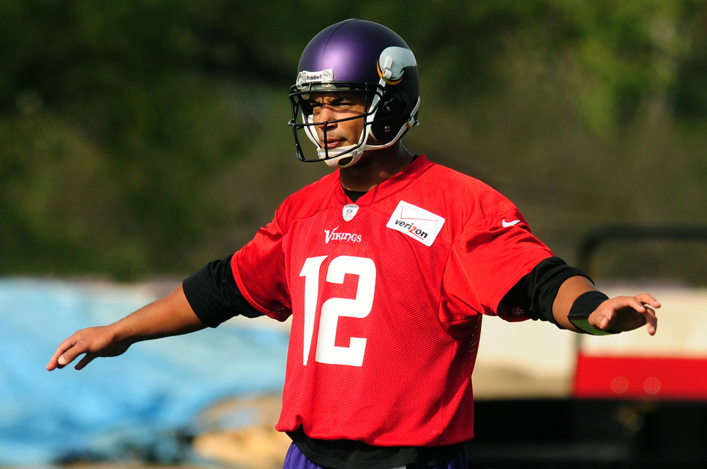 . New Vikings quarterback Josh Freeman loosens up during practice on Thursday. Freeman will start next Monday night against the New York Giants.  (Pioneer Press: Scott Takushi)