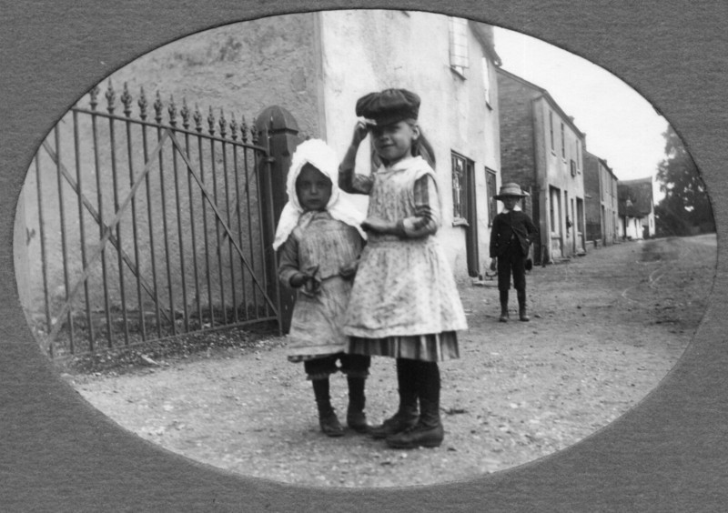 Children at Chapel Gate (Rev Holland). Provided by Elizabeth Smith