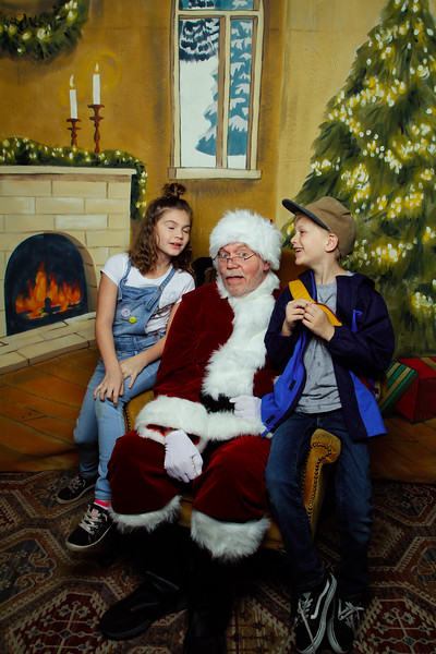 Pictures with Santa Earthbound 12.2.2017-131.jpg