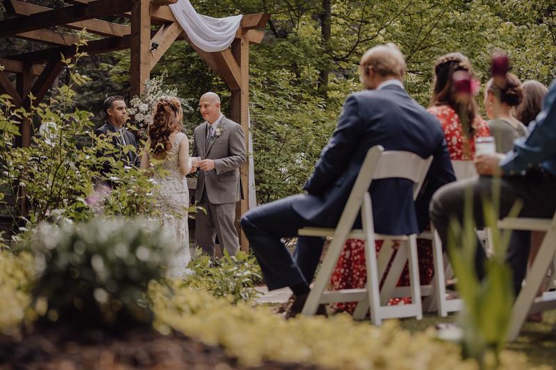 2018-05-12_ROEDER_JulieSeth_Wedding_ROEDER2_0038.jpg