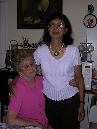 Nina & Mamma Genny (M&L)