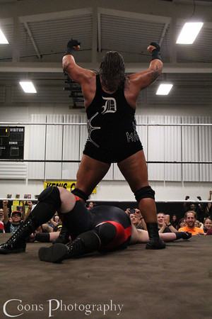 Homicide & Bobby Ocean vs Rhino & Bryan Castle