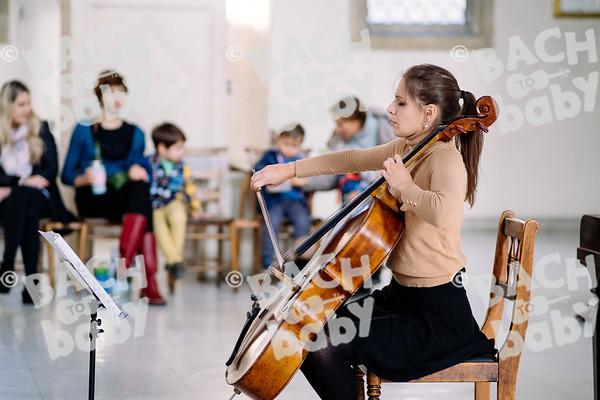 © Bach to Baby 2019_Alejandro Tamagno_Raynes Park_2019-10-31 004.jpg