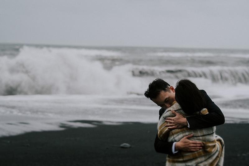 Tu-Nguyen-Destination-Wedding-Photographer-Iceland-Elopement-Fjaðrárgljúfur-16-150a-67.jpg