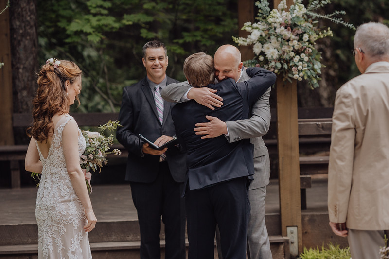 2018-05-12_ROEDER_JulieSeth_Wedding_DUSTIN1_0060.jpg