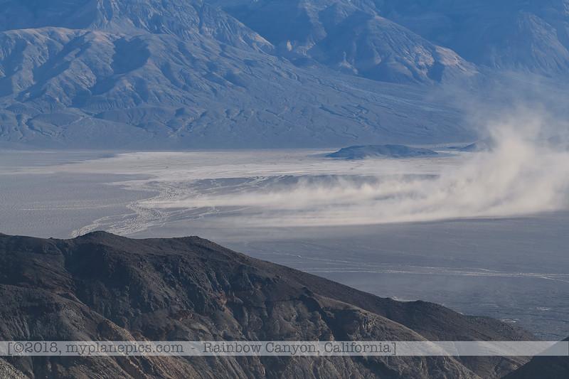 F20181108a082635_1005-paysage-montagnes-tempête de sable-Death Valley.jpg