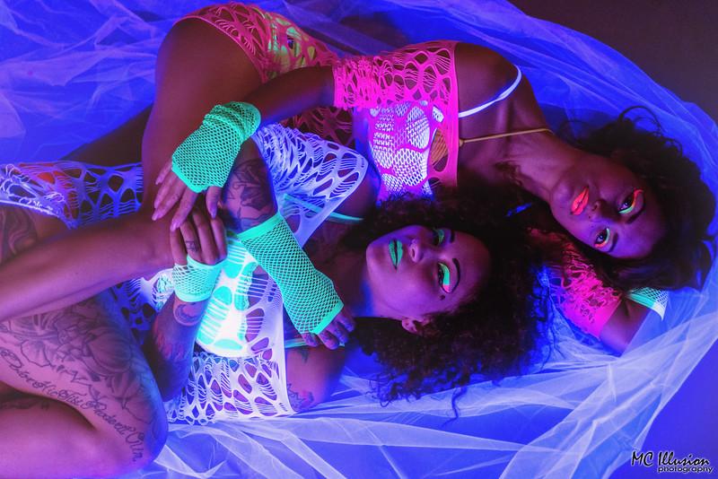 2015 05 17_Ivy Kiara Pole Candles UV Light_7149a1.jpg