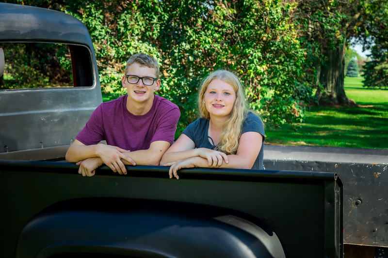 Madison and Dylans Senior  Pictures 2018-127.jpg