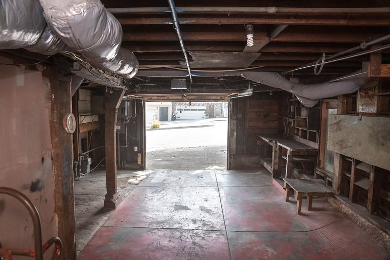 546 Monterey - Garage