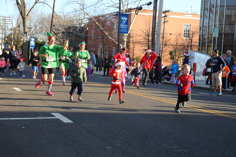 Toms River Police Jingle Bell Race 2015 - 00008.JPG