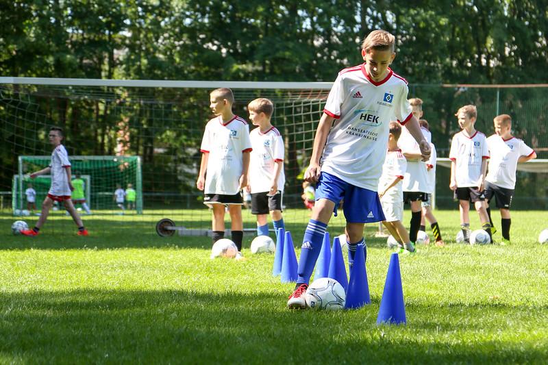 hsv_fussballschule-258_48047986693_o.jpg