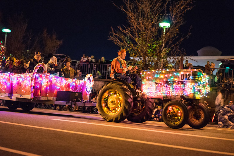 Light_Parade_2015-07872.jpg