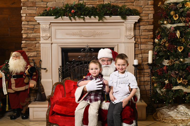 Santa2018.TylerBoye.-144.jpg