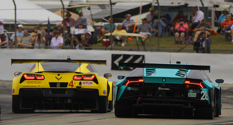 5853-Seb16-Race-#4Vette-#28LamboT3.jpg
