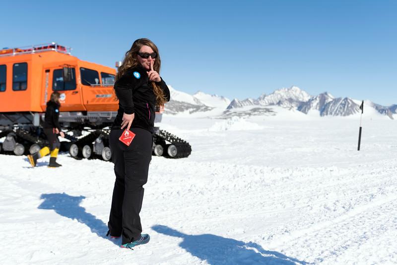 Climb Antarctica Women -1-11-18098964.jpg