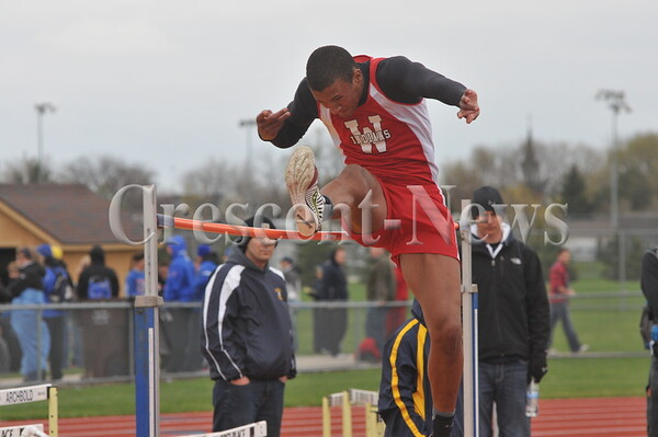 05-02-14 Sports Archbold relays track