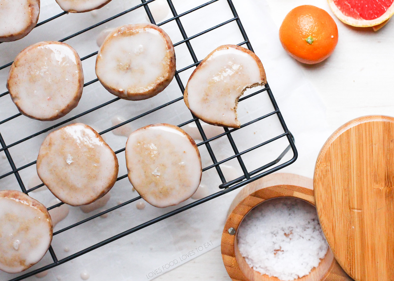 Spice Cookies with Citrus Glaze // Loves Food, Loves to Eat