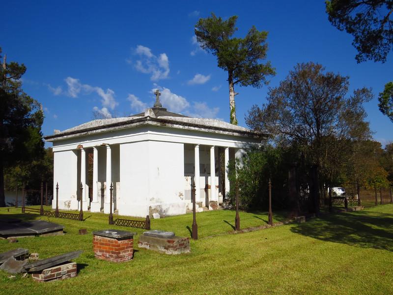 Glover Family Mausoleum, Riverview Cemetery, Demopolis, Alabama (1).JPG