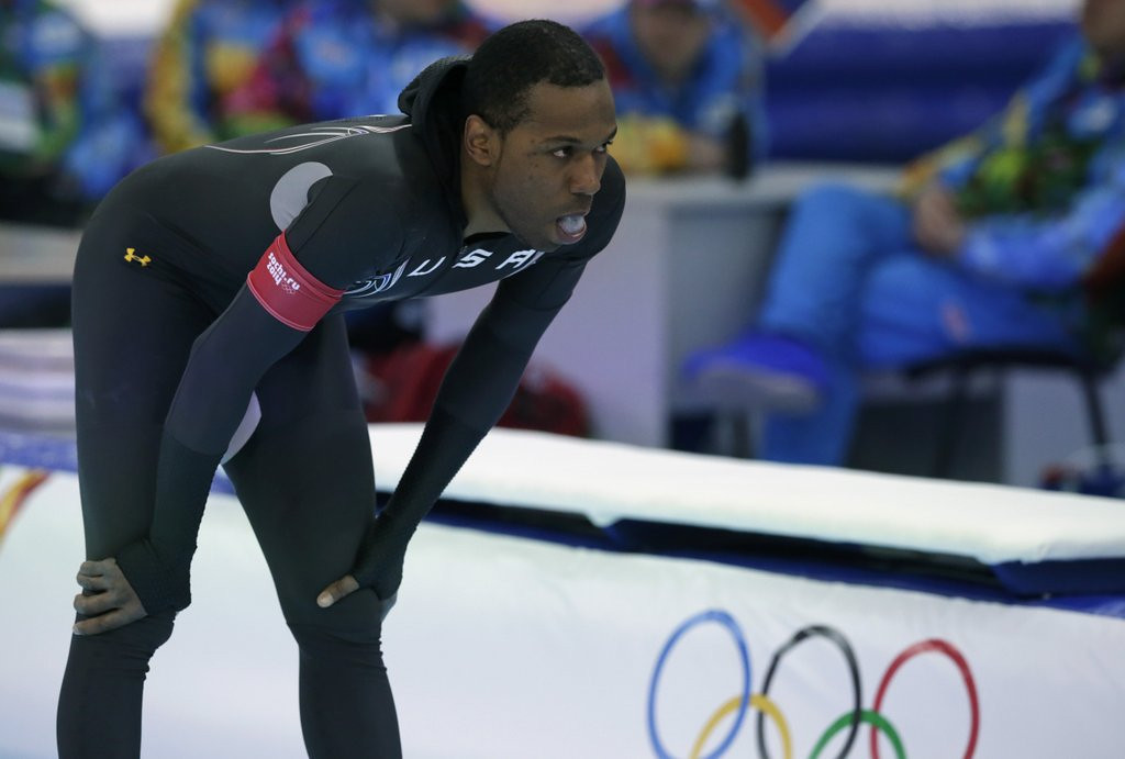 ". <p>10. (tie) SHANI DAVIS <p>It�s been a pretty bad week to be an overhyped American. (previous ranking: unranked) <p><b><a href=\'http://www.twincities.com/sports/ci_25123171/speedskating-shani-davis-settles-eighth-1-000\' target=""_blank\""> HUH?</a></b> <p>    (AP Photo/Matt Dunham)"