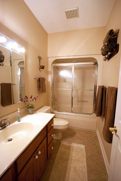 papaw bathroom.jpg