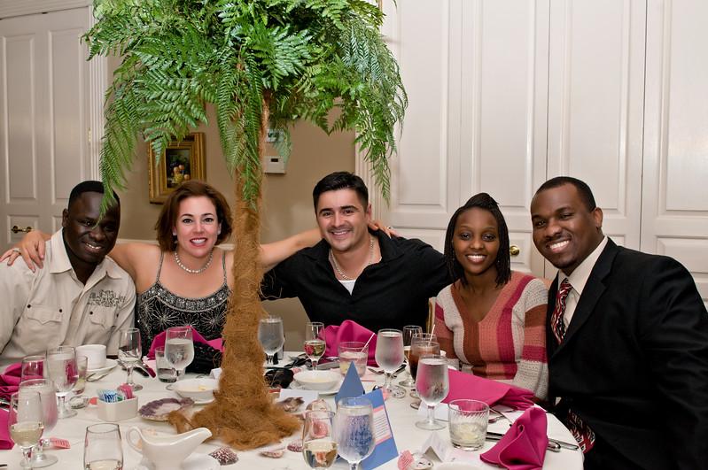 037 Mo Reception - Table Group Shot.jpg