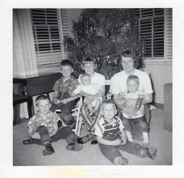 1 Betsy Baby family xmas031.jpg