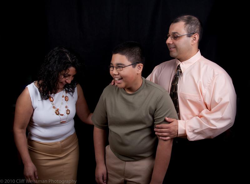Fuentes Family Portraits-8543.jpg