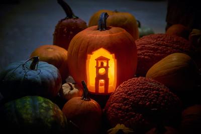 2017 Fall UWL Pumpkin Carving Clock Tower