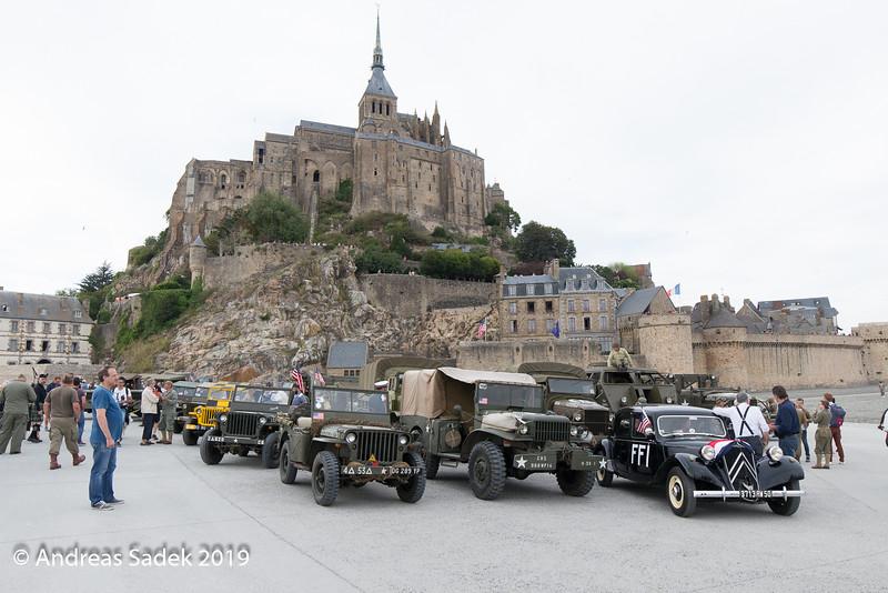 Zeitgeschichtlicher Ausflug über die grosse Brücke zur Insel Le Mont-Saint-Michel