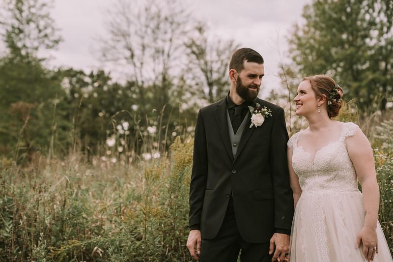 rustic_ohio__fall_barn_wedding-299.jpg