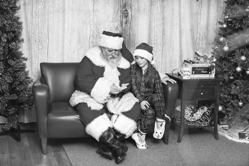 Ameriprise-Santa-Visit-181202-4945-BW.jpg