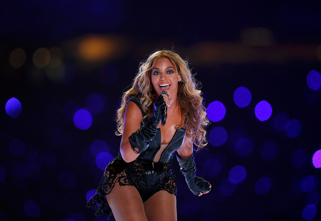 . Beyonce performs during the half-time show of the NFL Super Bowl XLVII football game in New Orleans, Louisiana, February 3, 2013. REUTERS/Jeff Haynes
