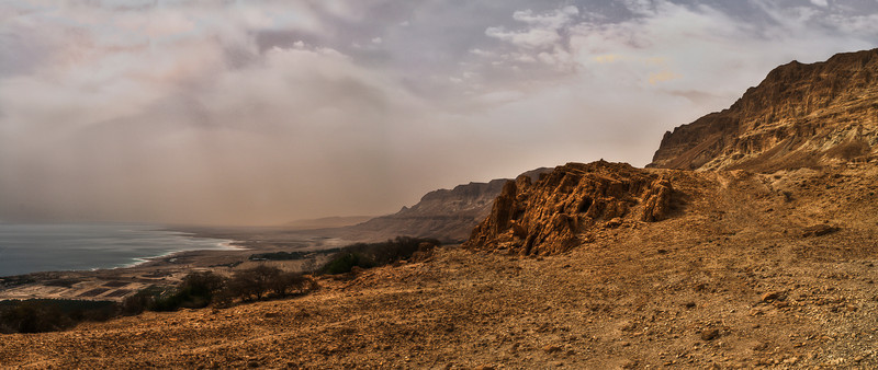 The Judean Desert is an array of hills and canyons, falling from the heights of around 1,000 meters in the Judean Mountains, to the Dead Sea which is, at 421 meters below sea level, the lowest place on earth.  Dead Sea, Israel/palestine, 2012.
