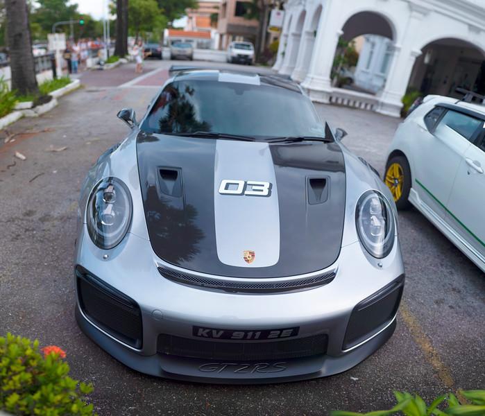 Porsche 911 GT 2 - front view.jpg
