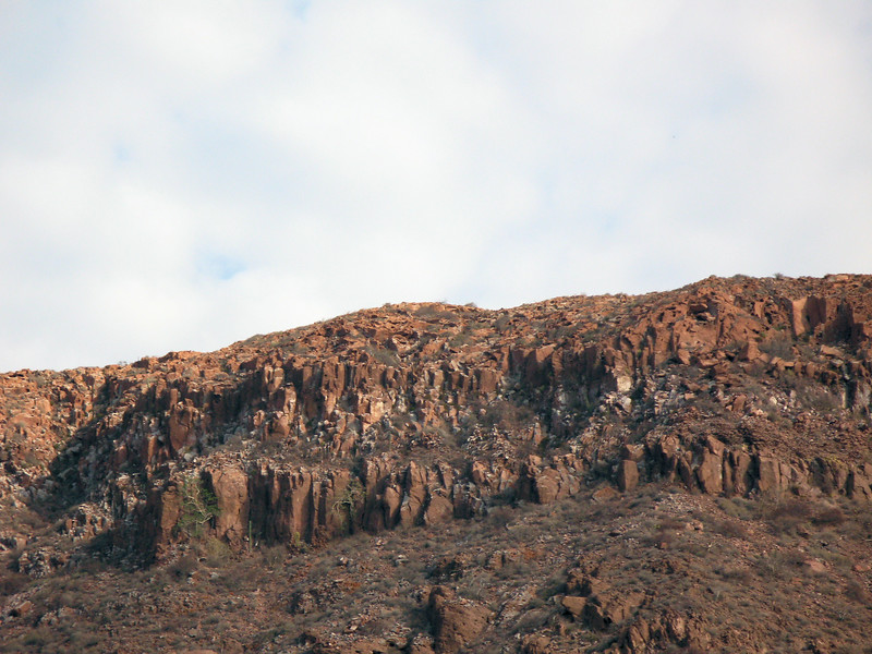 Isla Espiritu Santo Columnar Basalt.jpg