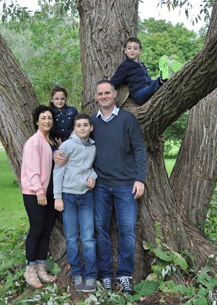 edit family tree pose 5x7.JPG
