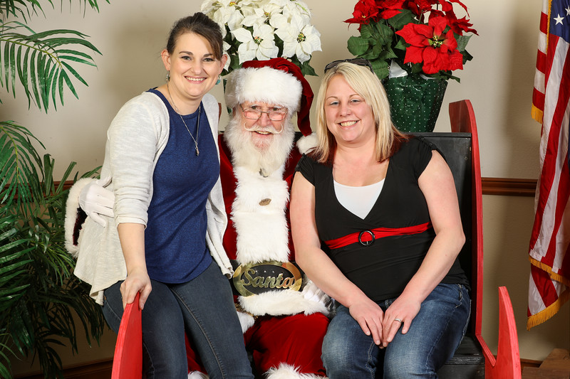 TBTP 2019 Photos with Santa-91.JPG